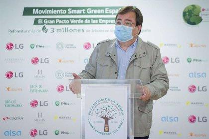 El presidente de la Junta suscribe la adhesión al Convenio de Reforestación en Villanueva de la Sierra