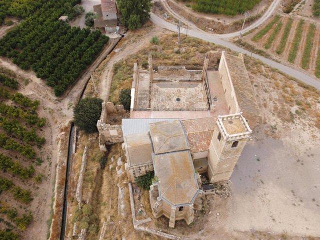 Vista aèria del monestir d'Avinganya, al municipi de Seròs, en una imatge d'arxiu. (Horitzontal)