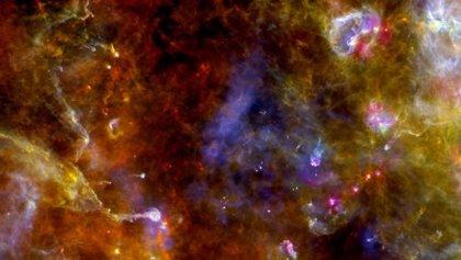 Se prueba que hay agua atrapada en el polvo de estrellas