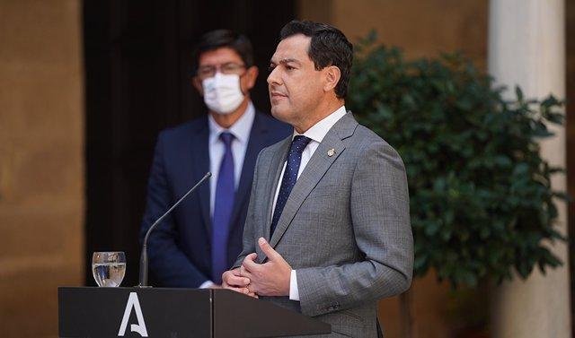 El presidente de la Junta, Juanma Moreno, durante la rueda de prensa
