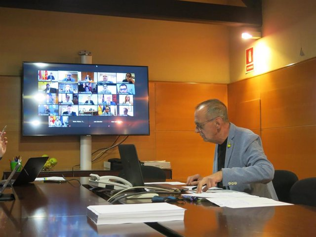 El alcalde de Lleida, Miquel Pueyo, en la reunión telemática con alcaldes.