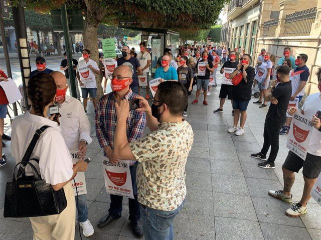 Empresarios hosteleros se manifiestan en Almería