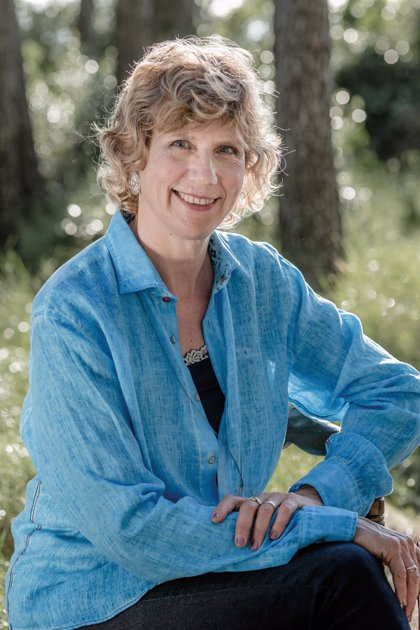 Núria Esponellà recibe el Premi Prudenci Bertrana por la novela 'Ànima de tramuntana'