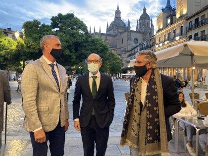 """Ortega reivindica """"la cultura segura y de calidad"""" en el arranque oficial de Titirimundi en Segovia"""