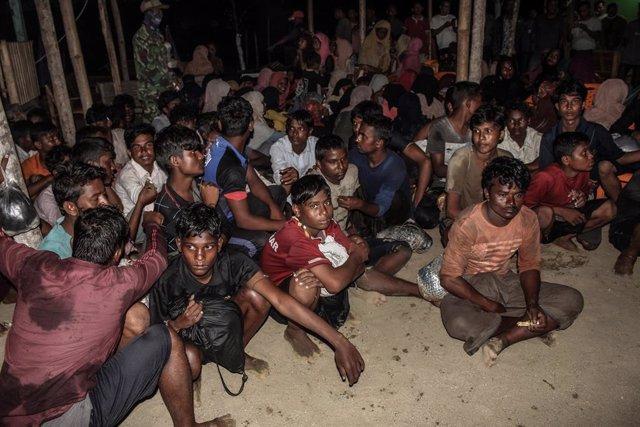 """Birmania.- Un experto de la ONU pide un alto el fuego en Birmania """"inmediatament"""