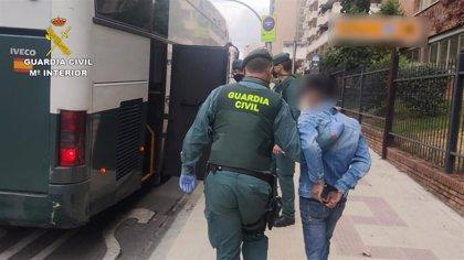 Detenidas 12 personas de una organización dedicada a la trata de personas y liberados seis vietnamitas