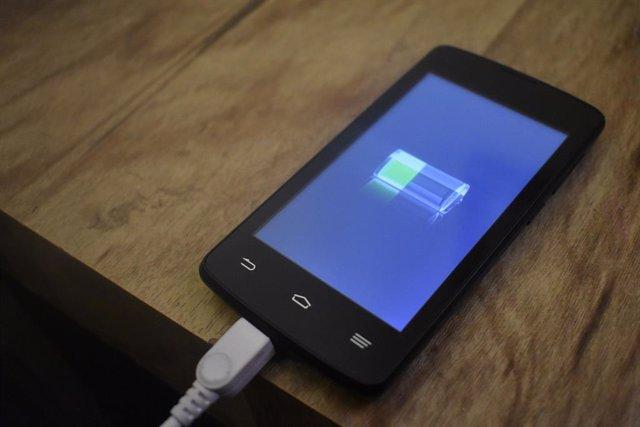 """Huawei prepara un sistema de carga inalámbrica por láser que espera que llegue """""""