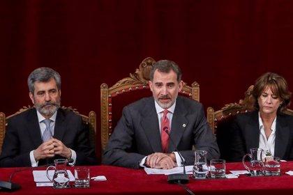 Asociaciones de jueces exigen explicaciones por la ausencia del Rey en la entrega de despachos a la nueva promoción