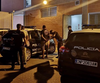 Dos detenidos por obligar a ejercer la mendicidad a un niño de 14 años en el centro de Murcia