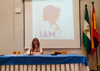 Las llamadas al teléfono del IAM de atención a las mujeres crecen un 22 por ciento en el primer semestre