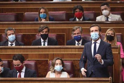 """Casado critica que Sánchez """"huya a Bruselas"""" mientras el Gobierno habla de indultos y dice que el PP los recurrirá"""