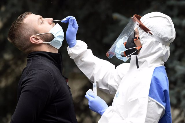 Coronavirus.-República Checa impone un toque de queda sobre bares y restaurantes
