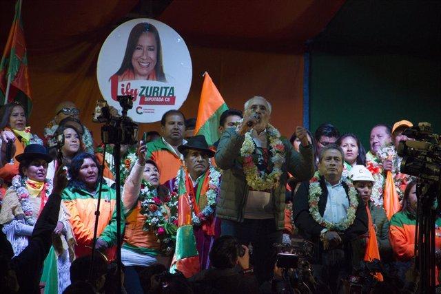 Bolivia.- Mesa se muestra despreocupado ante la estrategia electoral de Camacho