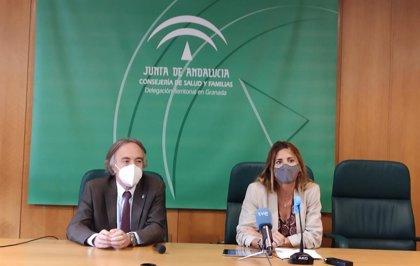 La Junta refuerza su apoyo a embarazadas y madres sin recursos de Granada con dos líneas de ayuda