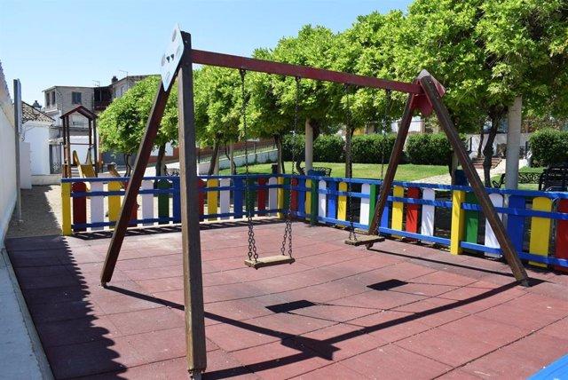 Uno de los parques públicos de Almodóvar del Río.