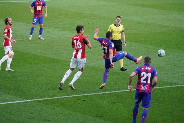 Fútbol.- LaLiga vuelve a retirar los partidos de viernes y lunes de la jornada 3