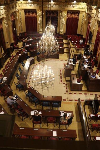 El Parlament insta al Govern a impulsar campañas para concienciar sobre la donación de sangre