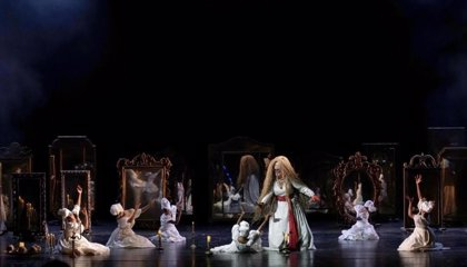 El Teatro Real vuelve con 'Un ballo in maschera' recibido entre aplausos