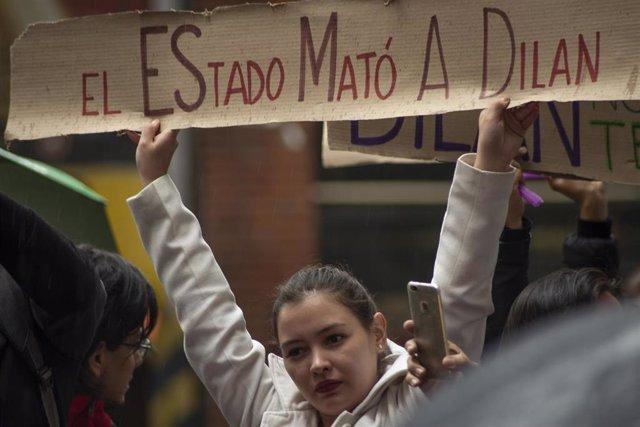 Protesta por la muerte del joven Dilan Cruz a manos de la Policía el 23 de noviembre de 2019, durante la huelga general de Colombia.