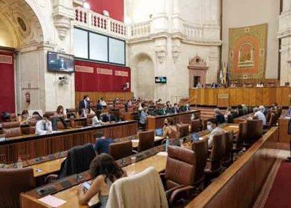 El Pleno del Parlamento debate este jueves el dictamen de la comisión Covid y aborda el Plan Andalucía en Marcha