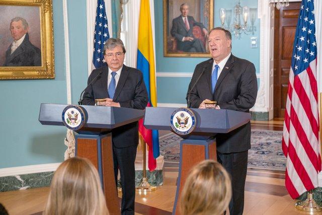 El ministro de Defensa de Colombia, Carlos Holmes Trujillo, y el secretario de Estado de EEUU,  Mike Pompeo, durante una visita del funcionario colombiano a Washington.