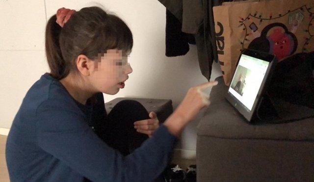 Niña con Síndrome de Dravet (epilepsia grave de origen genético)