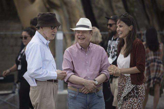 Woody Allen, Wallace Shawn y Elena Anaya en el rodaje de Rifkin's Festival