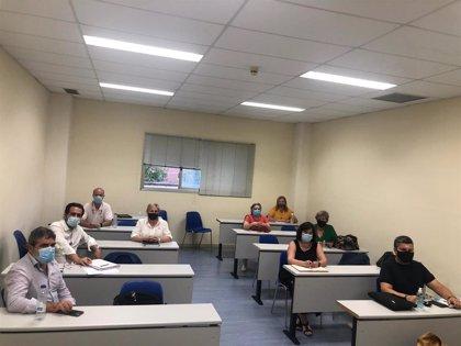 UGT, CCOO y Acescam inician reuniones de la mesa de seguimiento de residencias