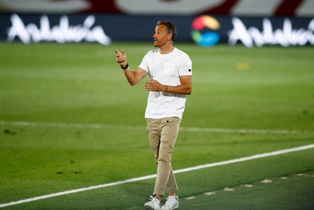 Fútbol/Selección.- Luis Enrique anunciará el 2 de octubre la lista para los part