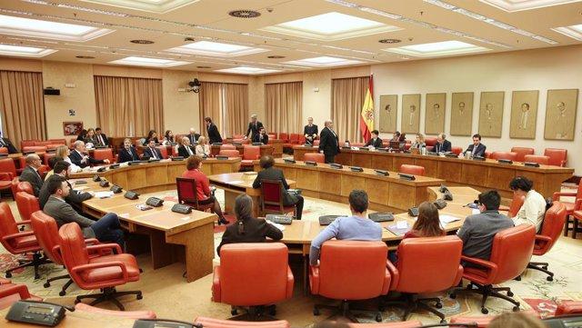 PSOE, PP, Vox y Cs se unen para condenar a Maduro y pedir al Gobierno que vincul