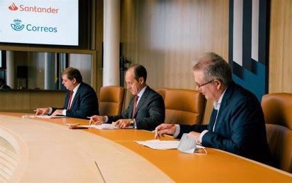 Correos y Banco Santander se alían para ofrecer retirada e ingreso de efectivo en Catalunya