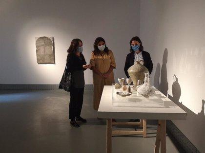 Iniciarte, el ciclo de arte visual joven de la Junta, abre la exposición 'Brujas sin coloquios', de Lucía Díaz