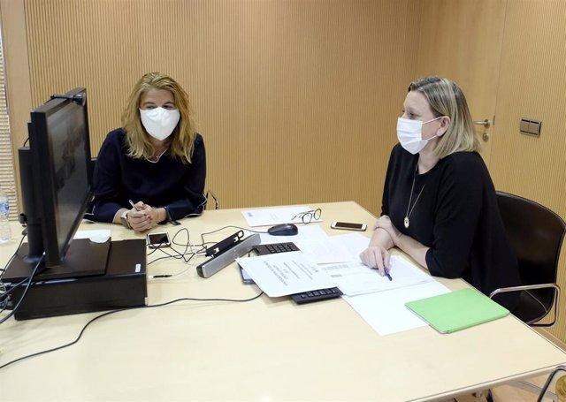 Isabel Blanco, a la derecha, durante la videoconferencia con la ministra de Igualdad.
