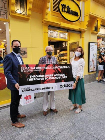 """El Ayuntamiento entrega los premios a los ganadores del reto """"Zaragoza Camina"""" que ha tenido 240 """"caminantes"""""""