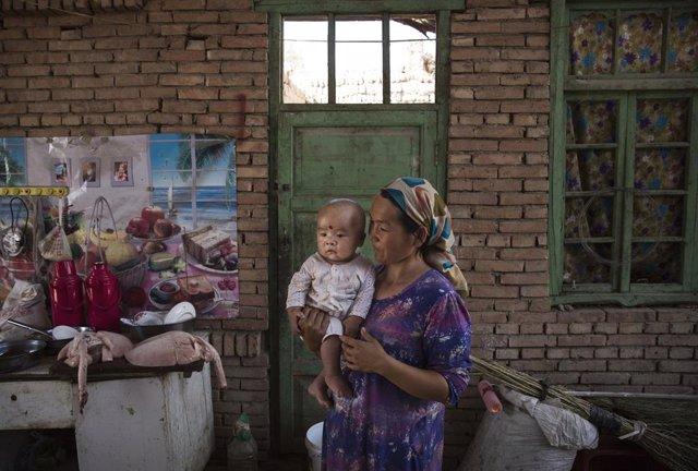 China.- Un estudio denuncia la construcción de 380 campos de concentración en la