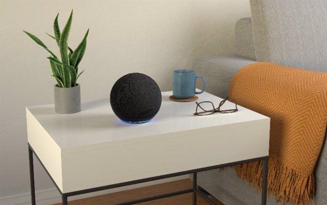 Amazon vuelve esféricos sus altavoces Echo y Echo dot y anuncia Luna, su servici