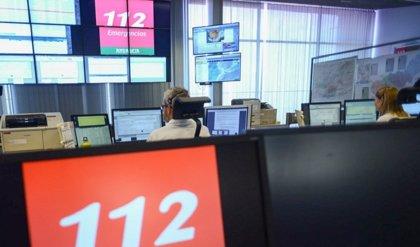 Más de cien llamadas al 112 por un incendio de vegetación en un parque de Tomares (Sevilla) cerca de la A-49