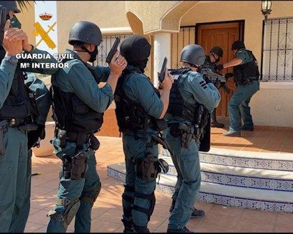 Desarticulada en Alicante una banda de traficantes de marihuana que podía gastar 2.000€ en una noche en champán