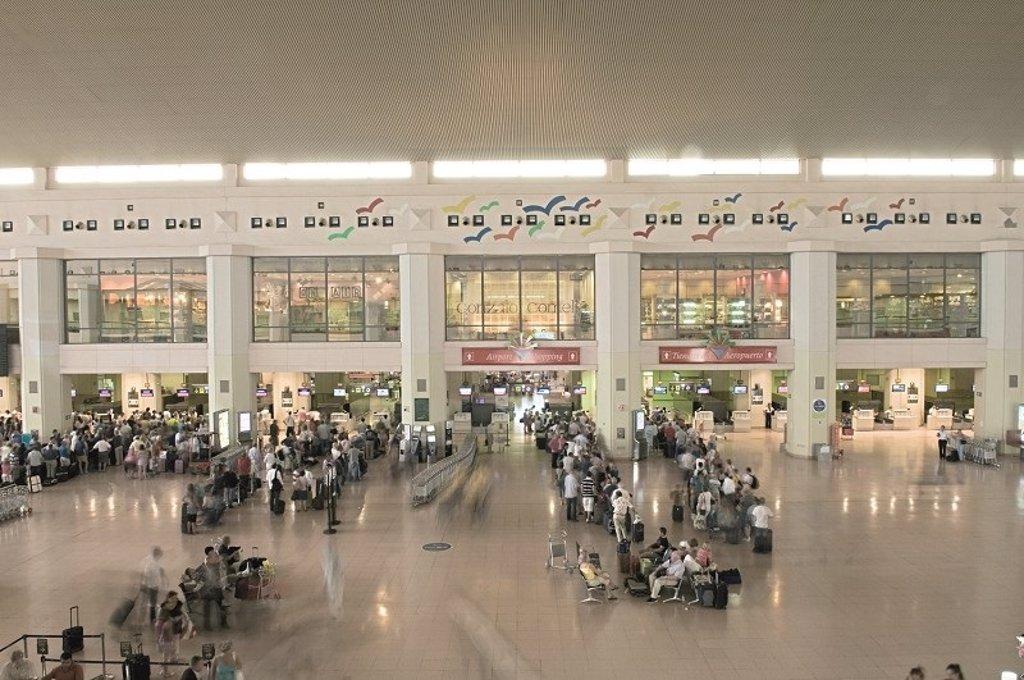 Aena licita la sustitución de los mostradores de facturación en la T2 del aeropuerto de Málaga-Costa del Sol 2