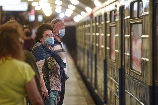 Coronavirus.- Rusia supera los 7.200 casos nuevos de coronavirus y suma 108 muer
