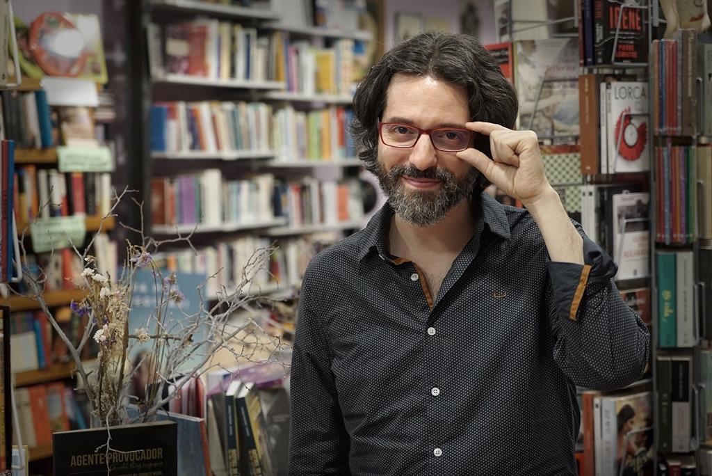 El I Ciclo 'A qué suena' se inaugura este sábado poniendo música al poemario 'Casa fugaz' de Andrés Neuman 2