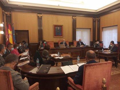 El Ayuntamiento de León aprueba la supresión de la tasa de terrazas en 2021