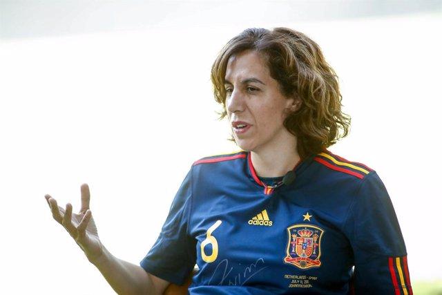 """Fútbol. Lozano afirma que el Gobierno tiene el """"firme compromiso"""" de profesional"""