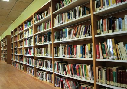 La Consejería de Cultura apoya con 37.500 euros la compra de libros para bibliotecas de nueve municipios
