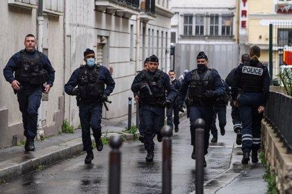 Detenido el autor principal del ataque con dos heridos cerca de la antigua sede de 'Charlie Hebdo'