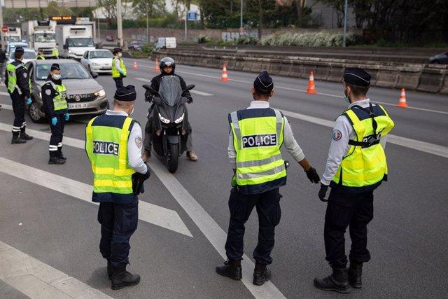 Francia.- Cuatro heridos por arma blanca en las inmediaciones de la antigua sede