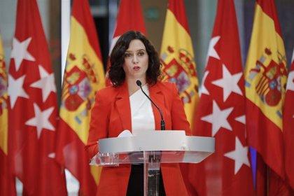 """Ayuso defiende que sus medidas son las adecuadas: """"Más que confinar Madrid nuestra misión es ayudar a las personas"""""""