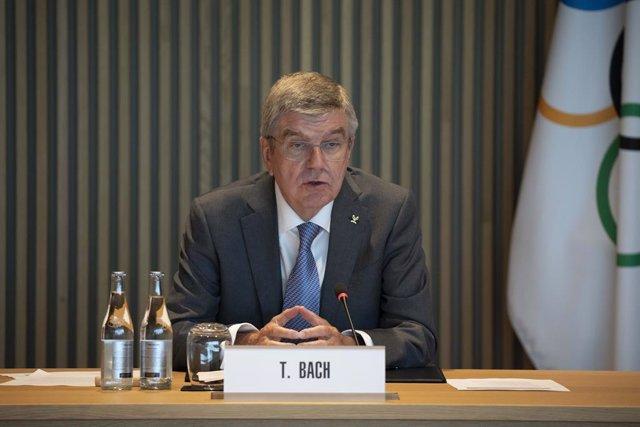 """JJ.OO.- Bach afirma que los Juegos de Tokyo 2020 serán los """"mejor preparados"""" de"""