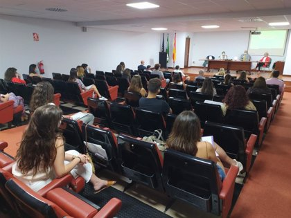 Un total de 30 residentes inician sus prácticas en el Distrito Sanitario Bahía de Cádiz-La Janda