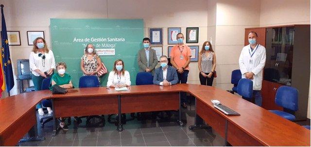 El Área Sanitaria Antequera firma un convenio con la AECC para acercar servicios de la asociación al hospital